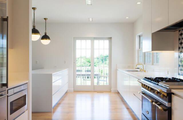Nantucket Contemporary Kitchen